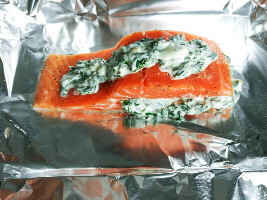 Stuffed salmon fillet with spinach and cream cheese | nashifood.com